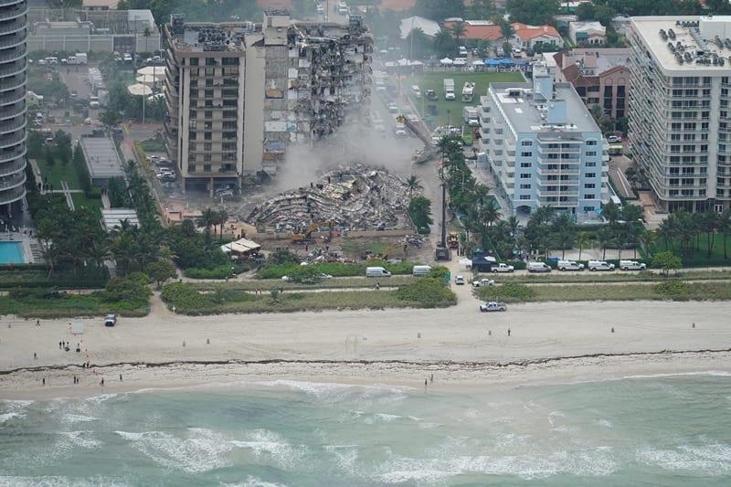 86 οι νεκροί από την κατάρρευση πολυκατοικίας στη Φλόριντα