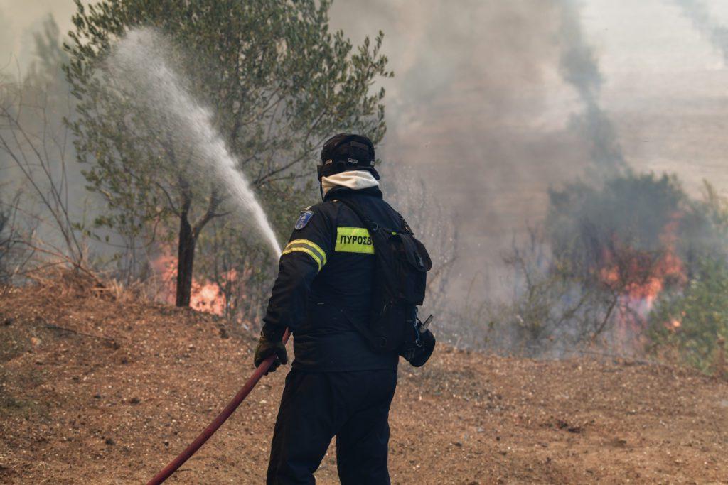Πολύ υψηλός κίνδυνος πυρκαγιάς την Τετάρτη για 5 περιφέρειες της χώρας