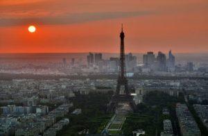 Γαλλία: Ληστής με πατίνι άρπαξε λεία εκατομμυρίων ευρώ από κοσμηματοπωλείο
