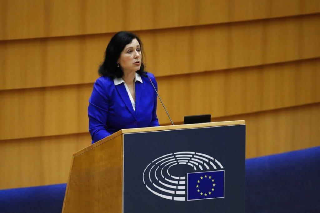 Αντιπρόεδρος Κομισιόν: Έχουμε ενημερώσει τις ελληνικές αρχές για την ασφάλεια του Κώστα Βαξεβάνη