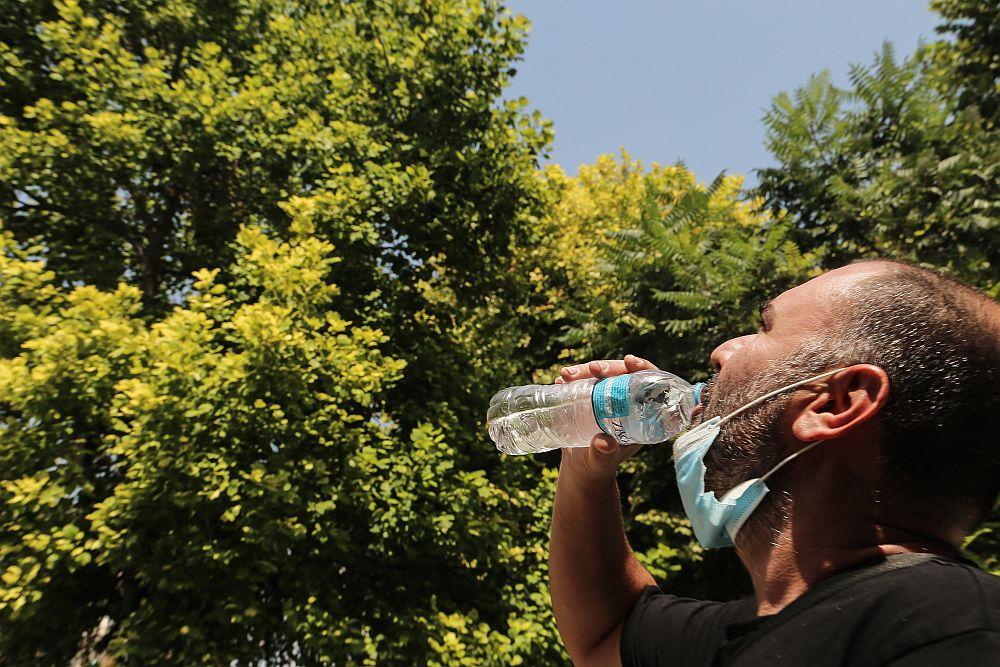 Καιρός: «Καμίνι» η χώρα – Έως 43 βαθμούς Κελσίου ο υδράργυρος