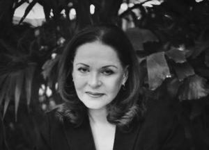 Φιλομήλα Λαπατά: «Οι φίλοι μου είναι το εθνικό μου κεφάλαιο»