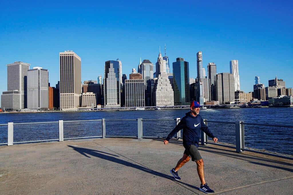 ΗΠΑ: Το προσδόκιμο ζωής των Αμερικανών μειώθηκε κατά ενάμιση χρόνο το 2020
