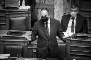 Αναρμόδιος δηλώνει ο Πλακιωτάκης για τον ερευνώμενο CEO του ΟΛΗΓ – Σκληρή ανακοίνωση Κάτση