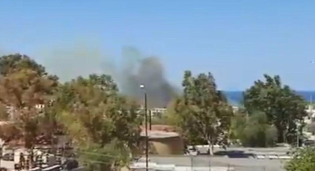Φωτιά κοντά στο παλιό αεροδρόμιο του Ελληνικού (Video)