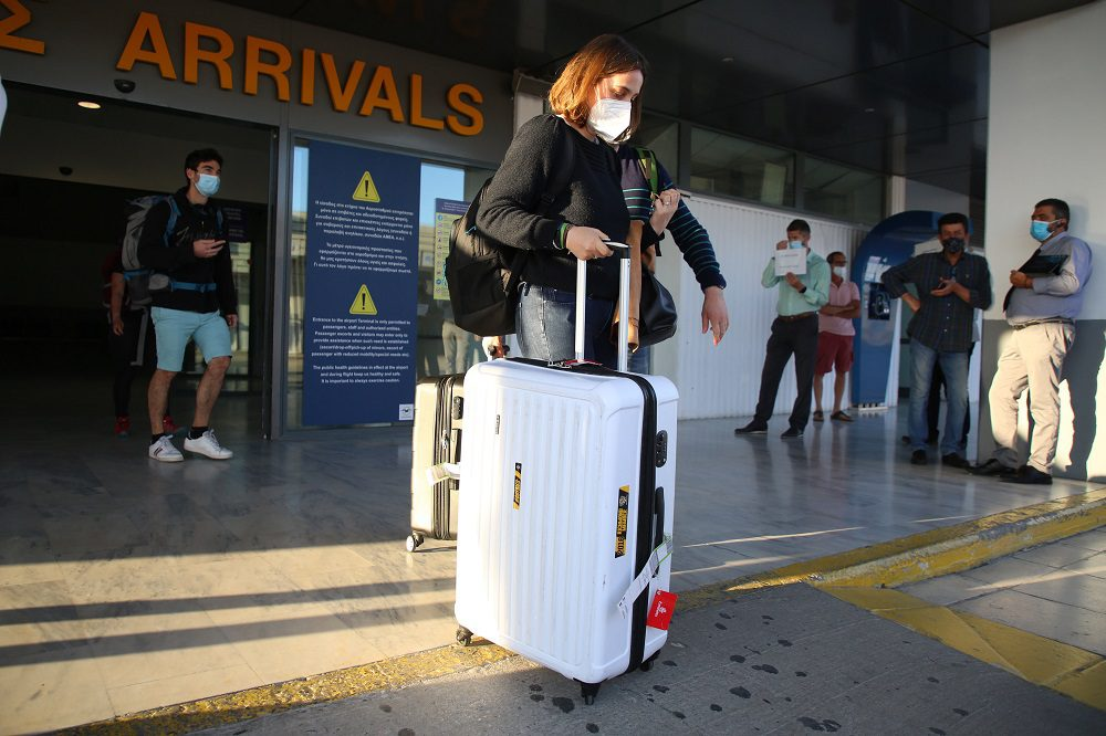 Κορονοϊός: Τριψήφιος αριθμός κρουσμάτων σε Αττική, Θεσσαλονίκη, Κρήτη – Δεκάδες σε Ρόδο-Μύκονο