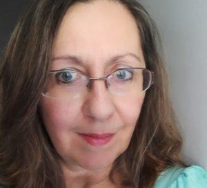 Κωνσταντίνα Μόσχου: «Ευτυχία είναι τα γελαστά πρόσωπα, οι γεμάτες καρδιές»