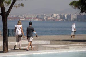 Καύσωνας: «Καμίνι» για 8η ημερά η χώρα -Τους 45 βαθμούς Κελσίου θα φτάσει ο υδράργυρος