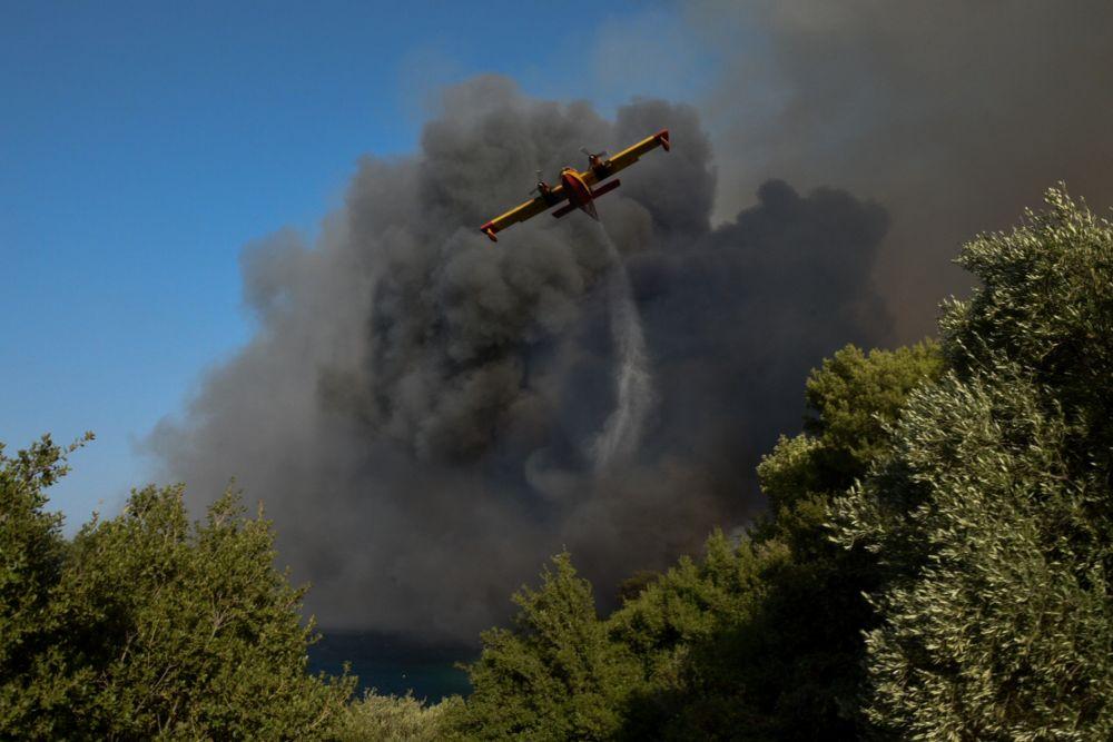 Βουλευτές ΣΥΡΙΖΑ Αχαΐας: Κάηκαν σπίτια και περιουσίες, καθυστέρησε ο συντονισμός