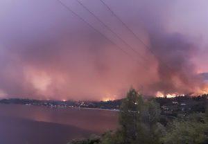 Εύβοια: Σε τέσσερα μέτωπα η πυρκαγιά – «Τα εναέρια μέσα είναι λίγα» καταγγέλλει στο documentonews ο δήμαρχος