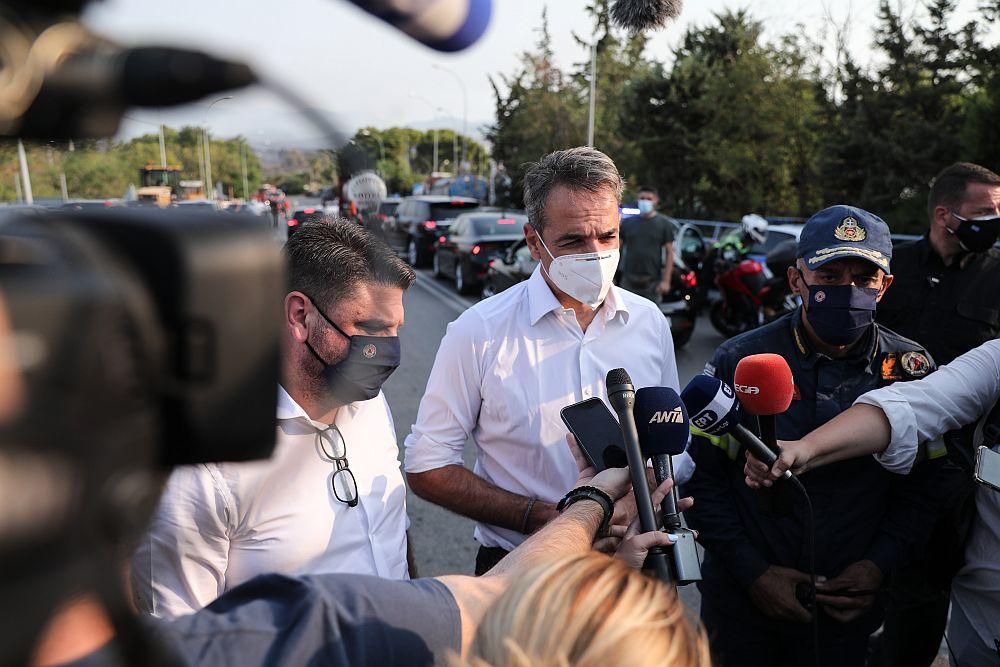 Η Εύβοια καίγεται από την Τρίτη αλλά ο πρωθυπουργός θα πάει την Παρασκευή