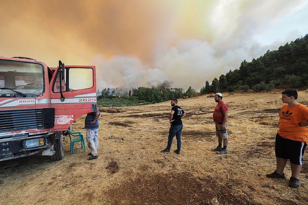 Φωτιά Εύβοια – Αντιδήμαρχος Μαντουδίου στο documentonews.gr: «Είναι τραγικό αυτό που συμβαίνει»