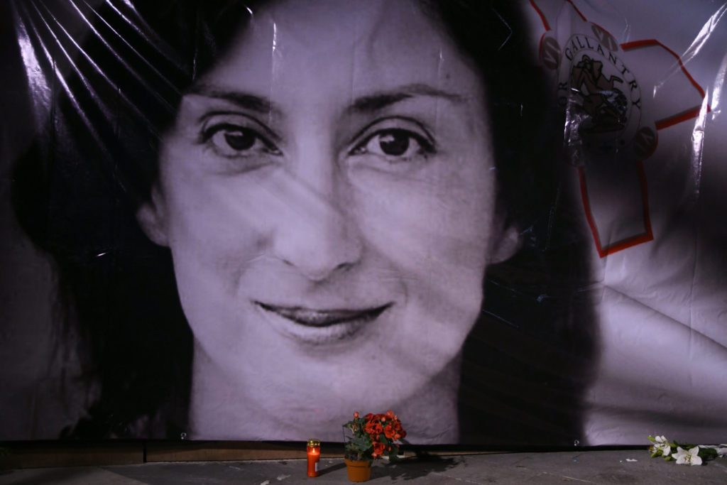 Μάλτα: Αντιμέτωπος με ισόβια ο επιχειρηματίας Γιόργκεν Φένεκ για τη δολοφονία της δημοσιογράφου Ντάφνε Καρουάνα Γκαλιζία