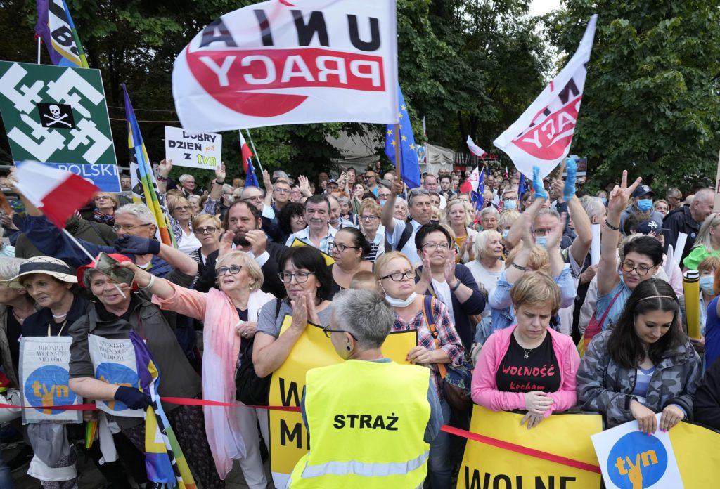 Πολωνία: Χάνει την πλειοψηφία η κυβέρνηση εν όψει ψήφισης «νόμου-φίμωτρο»