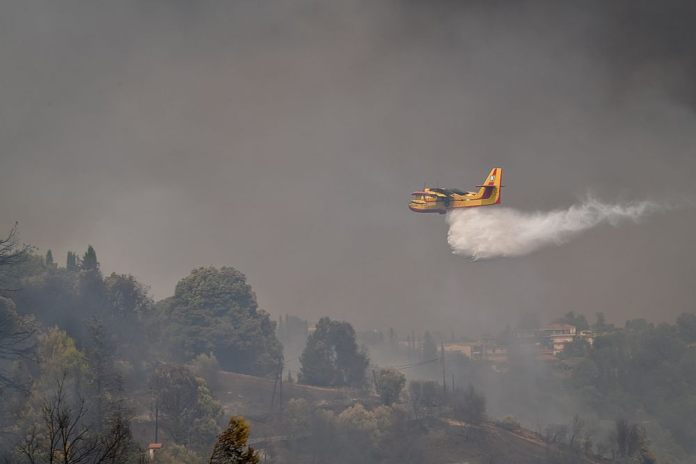 Φωτιά Γορτυνία: Σε διαθεσιμότητα ταξίαρχος μετά από καταγγελίες ότι ζήτησε μέσο για να στείλει πυροσβεστικό (Video)