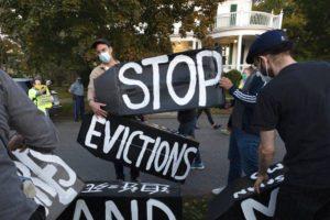 ΗΠΑ: Η πρόεδρος της Βουλής ζητά από τον Λευκό Οίκο να παραταθεί το μορατόριουμ στις εξώσεις