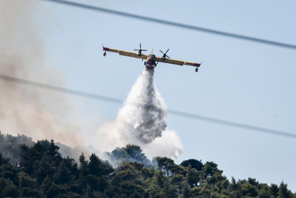 Υψηλός ο κίνδυνος πυρκαγιάς και την Τρίτη σε τρεις περιφέρειες
