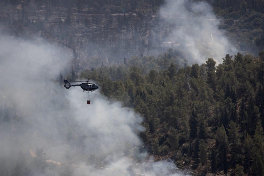 Ισραήλ: Στις φλόγες παραδόθηκαν περιοχές γύρω από την Ιερουσαλήμ