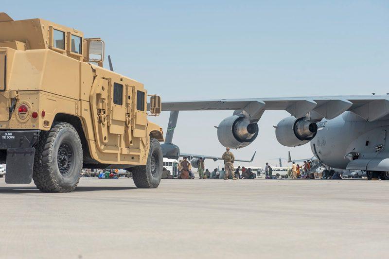 Οι ΗΠΑ θα χρησιμοποιήσουν εμπορικά αεροσκάφη για να μεταφέρουν ανθρώπους από το Αφγανιστάν