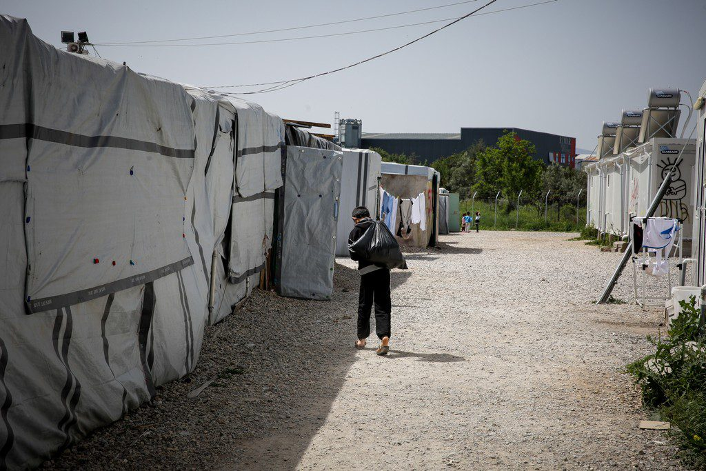 Εκκενώνεται πλήρως η δομή φιλοξενίας μεταναστών στη Μαλακάσα