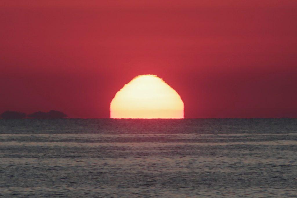 Ο πιο θερμός Ιούλιος της δεκαετίας για τα νησιά του Αιγαίου