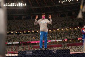 Ολυμπιακοί Αγώνες – Μίλτος Τεντόγλου: Ο ισχυρός συμβολισμός πίσω από τη ροζ μάσκα