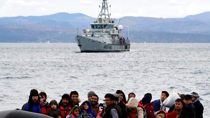Ο Μηταράκης κατηγορεί στην Ε.Ε. την Τουρκία πως προκάλεσε ναυάγιο λέμβου μεταναστών ανοικτά της Λέσβου