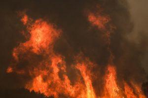 Φωτιά στη Βαρυμπόμπη: Καθυστερημένη ενημέρωση καταγγέλλουν οι κάτοικοι στους Θρακομακεδόνες