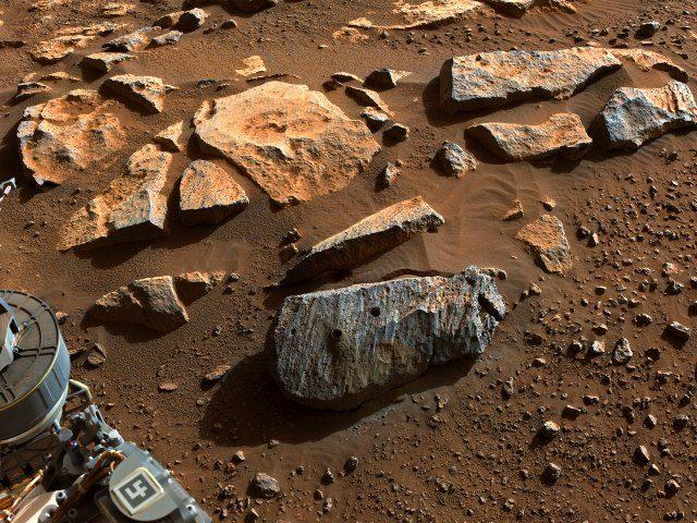 ΝASA: Μακρόχρονη έκθεση σε νερό «μαρτυρούν» τα πρώτα δύο πέτρινα δείγματα από τον Άρη (video)