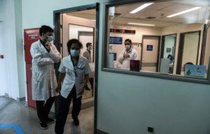Οι δικηγόροι καταδικάζουν τη στοχοποίηση γιατρών και εκπαιδευτικών για τους εμβολιασμούς