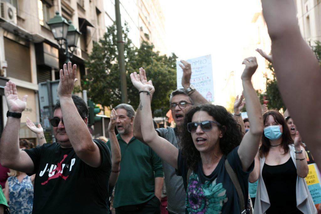Στους δρόμους εκπαιδευτικοί και μαθητές ενάντια στις αποφάσεις της Κεραμέως για το άνοιγμα των σχολείων