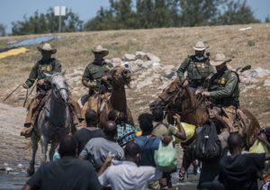 Διεθνής Τύπος: Η νέα διπλωματία του Μπάιντεν – Απελάσεις αϊτινών μεταναστών από τις ΗΠΑ