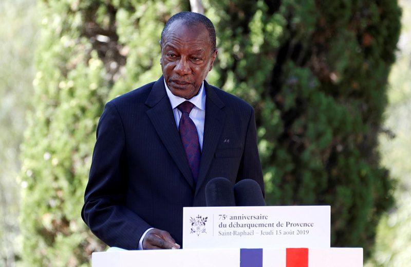 Γουινέα: Πραξικοπηματίες λένε πως συνέλαβαν τον πρόεδρο Κοντέ, ότους απωθήσαμε λέει το υπουργείο Άμυνας