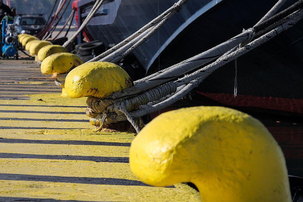 Προβλήματα στα δρομολόγια των πλοίων λόγω των ισχυρών ανέμων – Πού έχει απαγορευτικό απόπλου