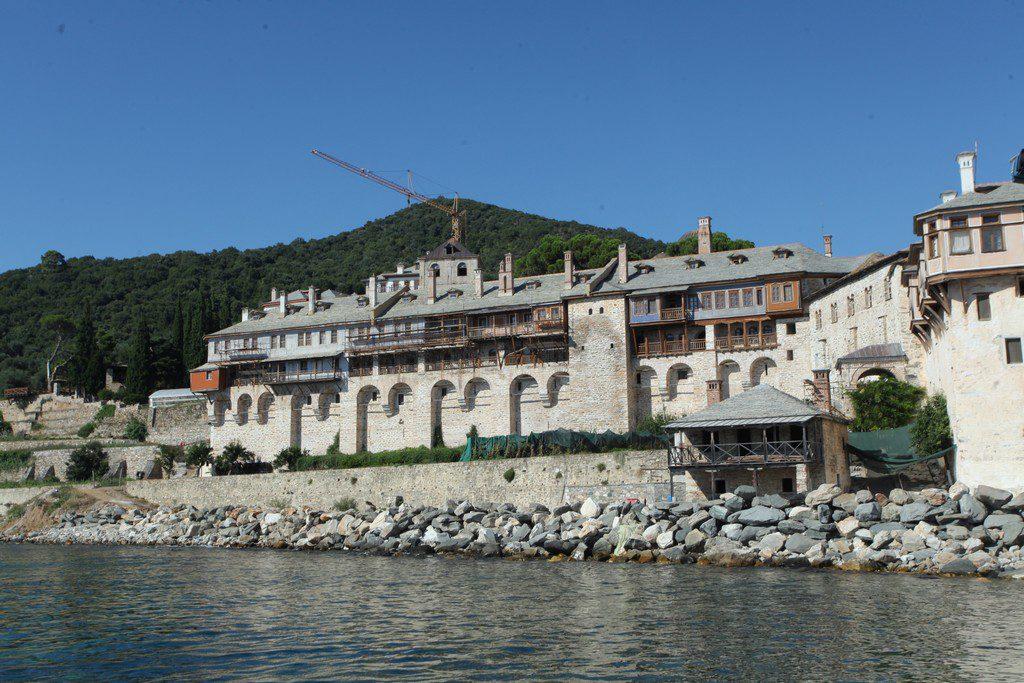 Άγιο Όρος: Θετικοί στον κορονοϊό 4 μοναχοί