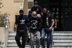 Ηλιούπολη: Φρικιαστικές αποκαλύψεις για το κολαστήριο του αστυνομικού – Βιασμοί, απειλές και «ταινίες»