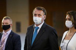 Σε καραντίνα ο Μπολσονάρου – Bρέθηκε θετικός στην Covid-19 ο υπουργός Υγείας