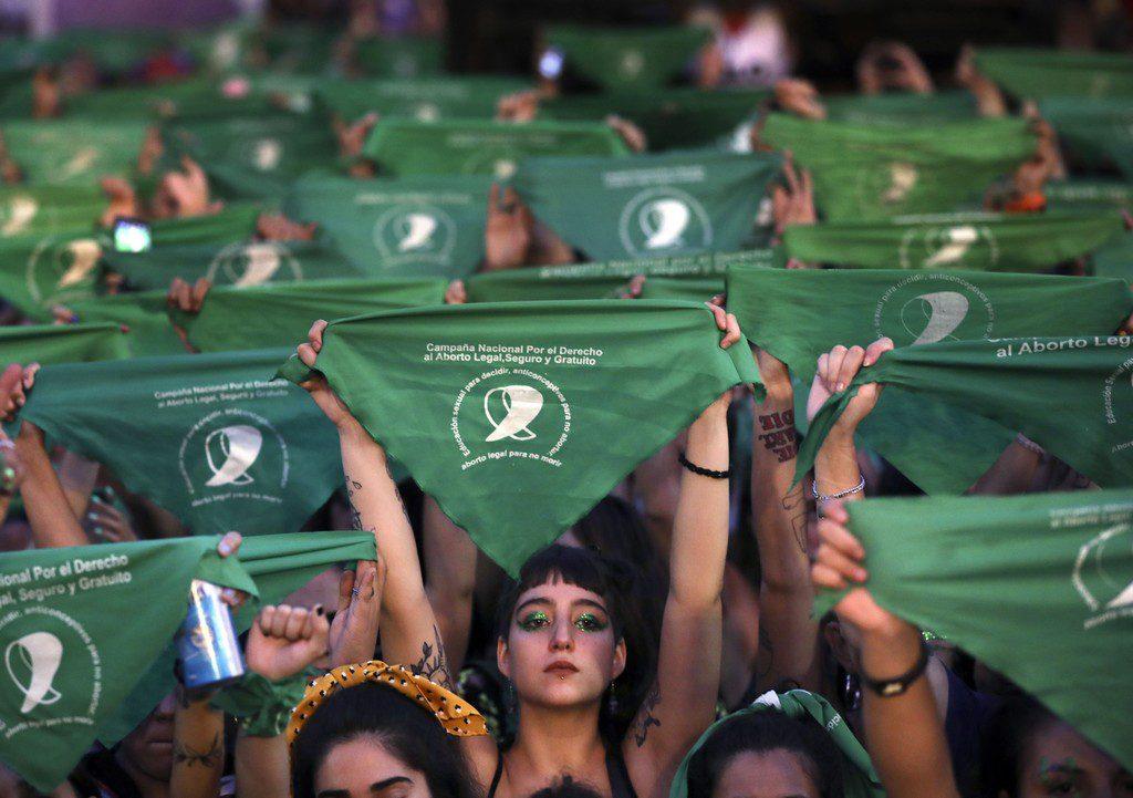 Χιλή: Οι βουλευτές ενέκριναν το νομοσχέδιο αποποινικοποίησης της άμβλωσης