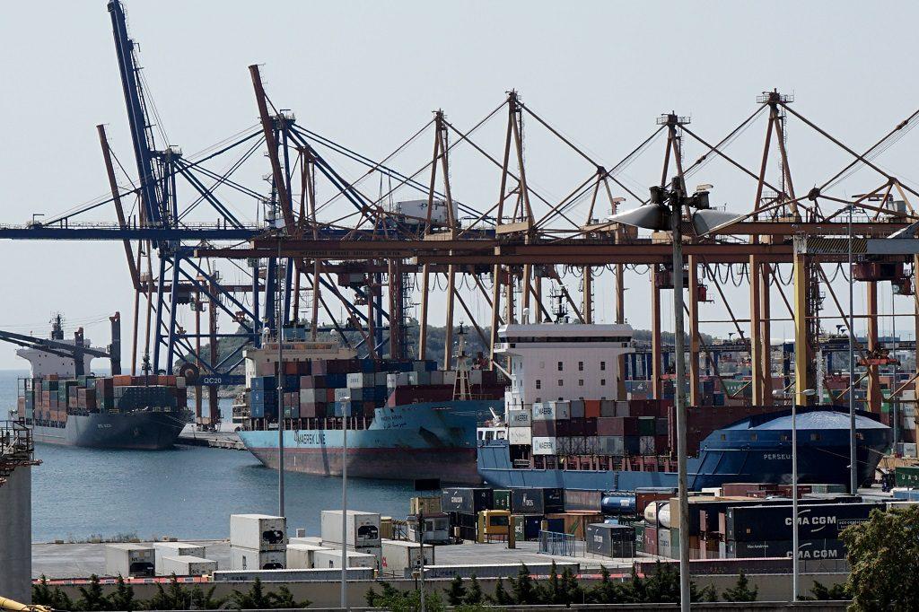 Cosco: Σύμβαση αποικίας στο λιμάνι του Πειραιά