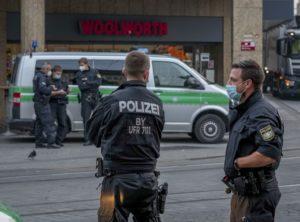 Συναγερμός στη Γερμανία: Ένοπλος κρατά ομήρους σε λεωφορείο