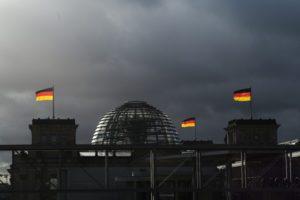 Γερμανικές εκλογές: Στα όρια του στατιστικού λάθους η διαφορά SPD-CDU
