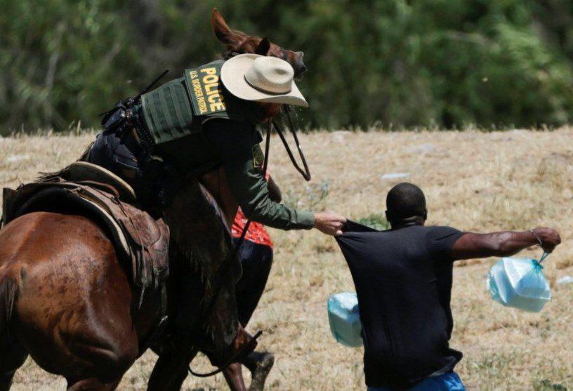 ΗΠΑ: Οι εικόνες με τους Αϊτινούς που απωθούνται από τις αμερικανικές δυνάμεις δεν «αντικατοπτρίζουν» τις ΗΠΑ