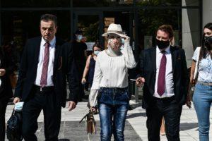 Δικηγόρος Ιωάννας: «Κρατούσε το χέρι μου σαν μικρό παιδί και είπε 2-3 φορές πρόσεχε με» (Video)