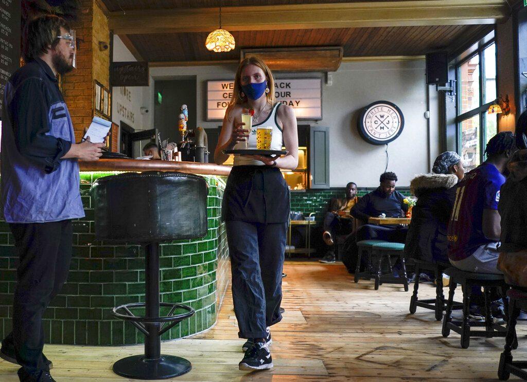 Βρετανία-Κορονοϊός: «Ύστατη λύση» το lockdown