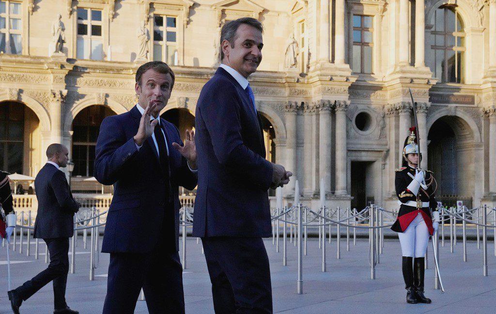 Επίσκεψη Μητσοτάκη στο Παρίσι: Η συνάντηση με Μακρόν και η αμυντική συμφωνία