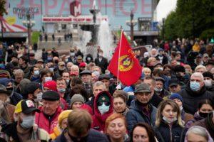 Εκατοντάδες Ρώσοι διαδήλωσαν στη Μόσχα για να καταγγείλουν τα αποτελέσματα των βουλευτικών εκλογών
