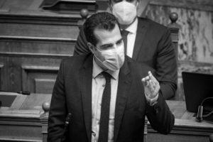 Πλεύρης σε ΠΟΕΔΗΝ: Καμία μονιμοποίηση επικουρικών γιατρών