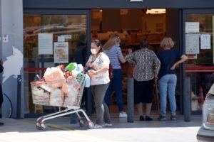 Έρευνα σοκ της ΕΛΣΤΑΤ: Το 40% των «μη φτωχών» νοικοκυριών στερούνται βασικά αγαθά