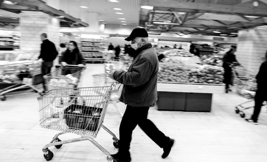 Η ελληνική κοινωνία στη δίνη δραματικών αυξήσεων – Τρομάζουν τα στοιχεία της ΕΛΣΤΑΤ