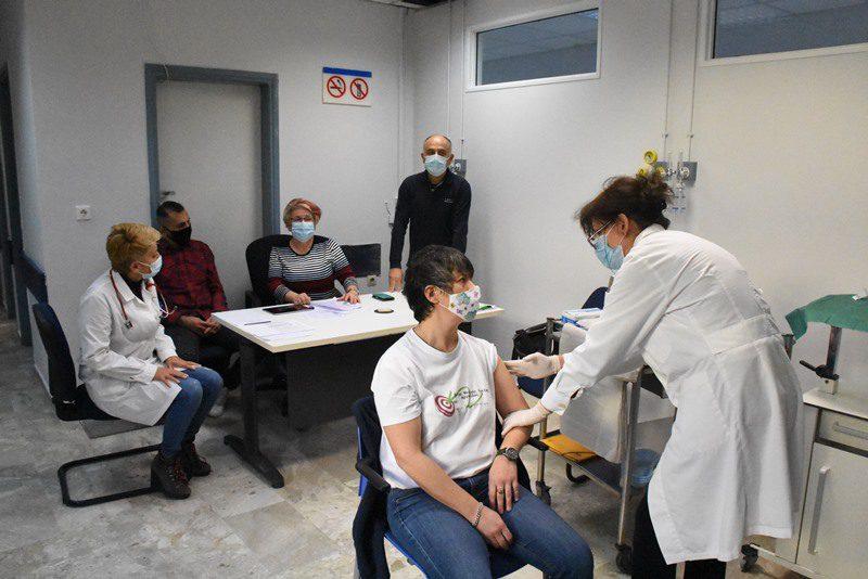 Πανελλήνιος Ιατρικός Σύλλογος: Η Πολιτεία να δώσει κίνητρα για να κρατήσει τους νέους γιατρούς στην Ελλάδα